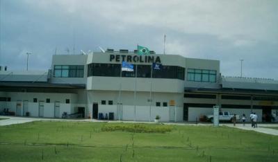 Aeroporto de Petrolina/PE Projeto básico, executivo e nivelamento e drenagem da faixa de pista 13/31